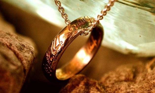 The Annunciation and the One Ring